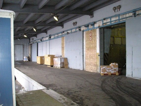 Складской комплекс класса Б, метро Алтуфьево, Этажность -7-этажей, здание оборудованно 6-ю грузовыми лифтами грузоподьёмностью по 4 тонны каждый