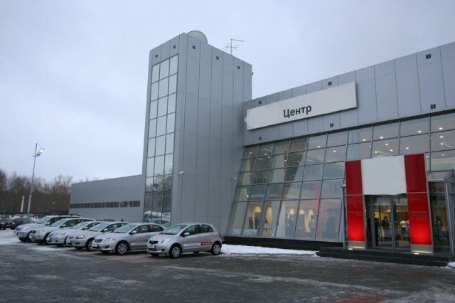Автосервис-Автосалон-Техцентр, 4300 м², в Аренду