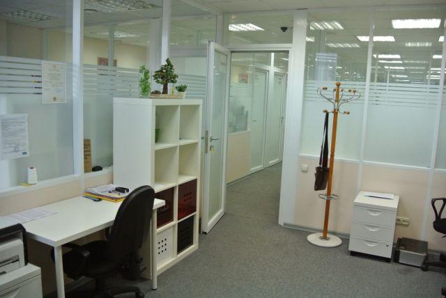 Аренда рабочего места в офисе БЦ, м. Автозаводская