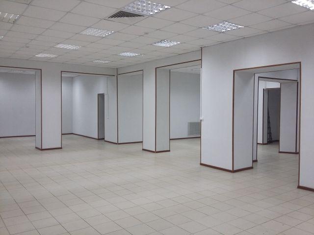 Торговое помещение, 190-220 м.кв. прямая аренда МО, Одинцовский р-н.,с.Жаворонки